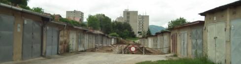 garáže Komenského