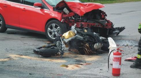 motorka sa zrazila s autom